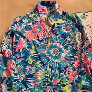 Lilly Pulitzer Tops - XXS Lilly Pulitzer Pullover!  Fits like a small!